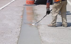 Mastic application on concrete